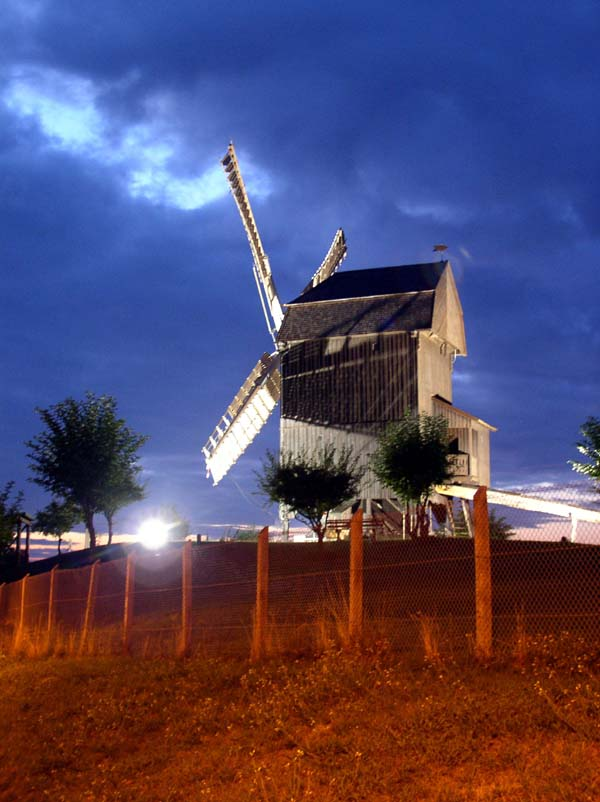 Windmill at night (time exposure)