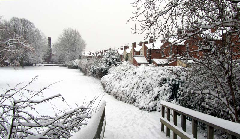 Stirchley Park and Bond Street houses in the snow