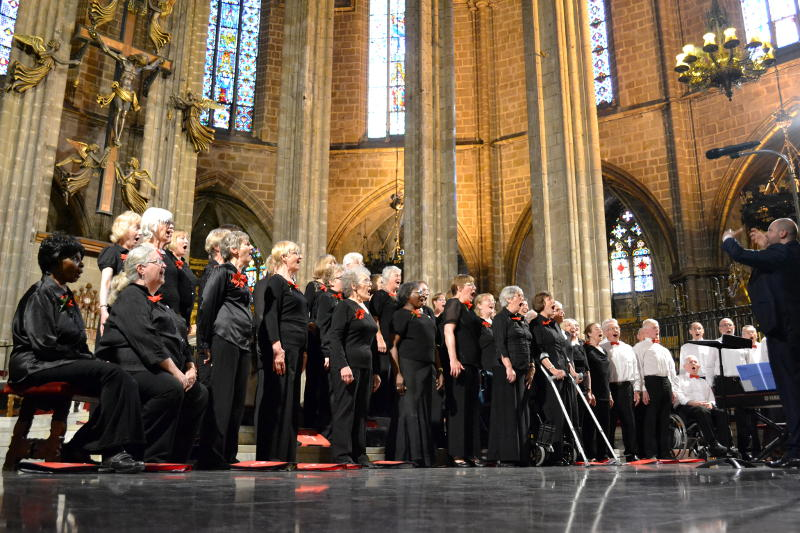 The Phoenix Singers on stage in Barcelona Cathedral
